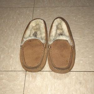 UGGS  moccasin loafers size 13 toddlers